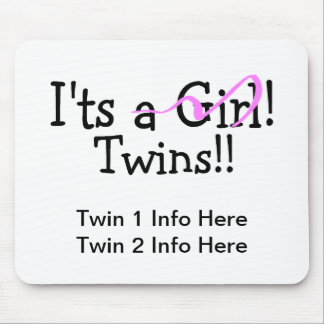 Hermana a gemelos del chica alfombrilla de ratones