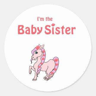 hermana del bebé del potro etiqueta redonda
