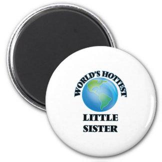 Hermana más caliente del mundo la pequeña imán redondo 5 cm