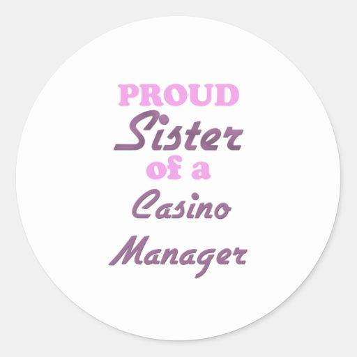 Hermana orgullosa de un encargado del casino etiquetas