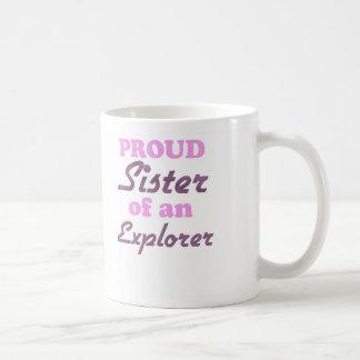 Hermana orgullosa de un explorador taza