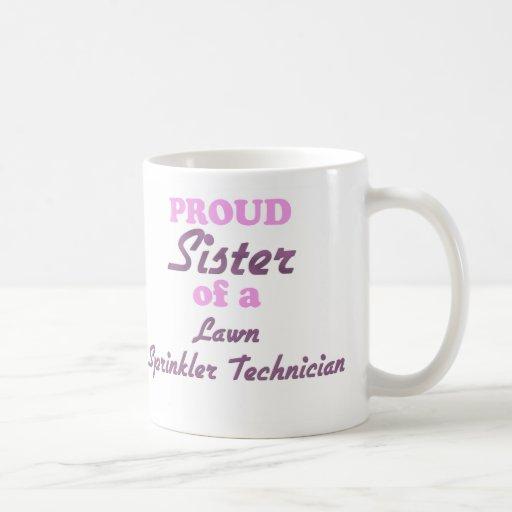 Hermana orgullosa de un técnico de la regadera del tazas