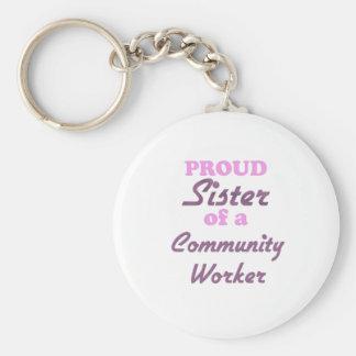 Hermana orgullosa de un trabajador de la comunidad llaveros personalizados