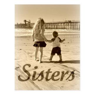 Hermanas del niño postal