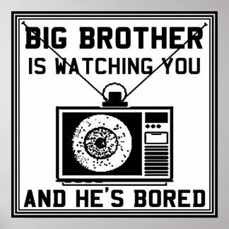 Hermano mayor es poster agujereado