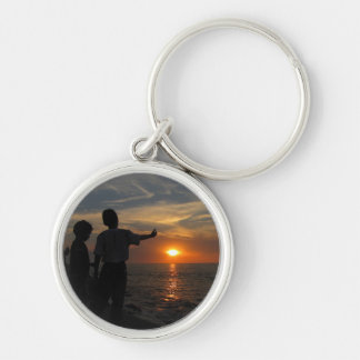 Hermanos al Atardecer Silver-Colored Round Keychain