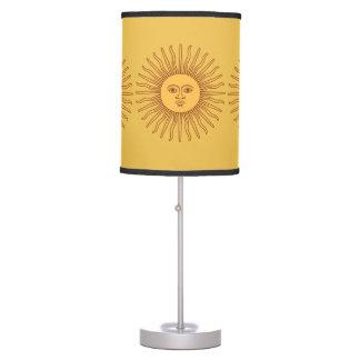 Hermoso aquí viene el Sun Lapshade Lámpara De Mesilla De Noche