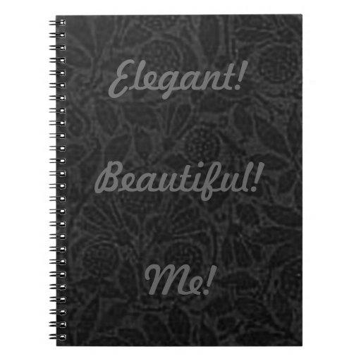 Hermoso elegante yo cuaderno negro del carbón de l