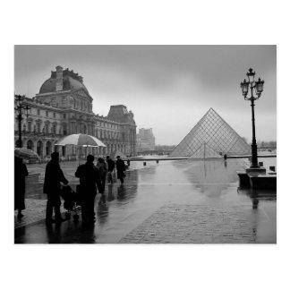 Hermoso romántico del Louvre Tarjetas Postales