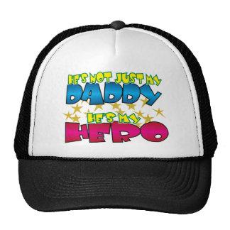 Héroe del papá gorra