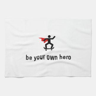 Héroe que anda en monopatín toalla de cocina