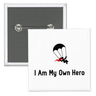 Héroe que se lanza en paracaídas pin cuadrado