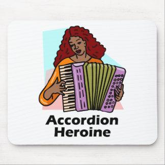 Heroína del acordeón mousepad