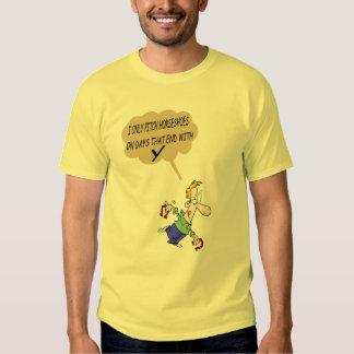 Herraduras básicas que echan la camiseta playeras