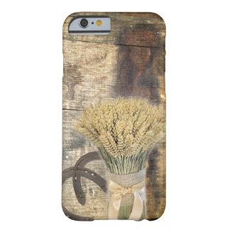 herraduras de madera del trigo del granero rústico funda para iPhone 6 barely there