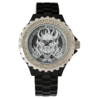 Herramienta blanca negra clásica fresca de la relojes