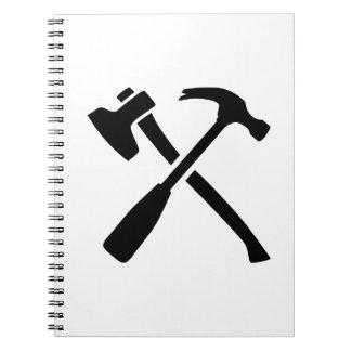 Herramientas cruzadas martillo del hacha cuaderno