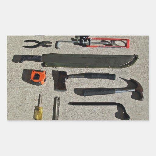 Herramientas de mano en la exhibición pegatina rectangular