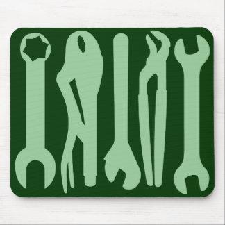 Herramientas_verdes_claras_en_verde_oscuro_mousepads-r6daf69a7ef674999aae27f75efa8b07f_x74vi_8byvr_324