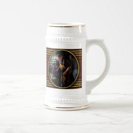 Herrero - comenzando con una explosión tazas de café