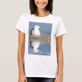 Herring gull with big reflection on water T-Shirt