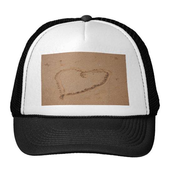 Herz im Sand Trucker Hat