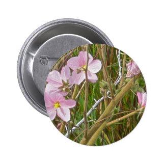 Hibisco del rosa salvaje en artículos del saladar pin redondo de 2 pulgadas