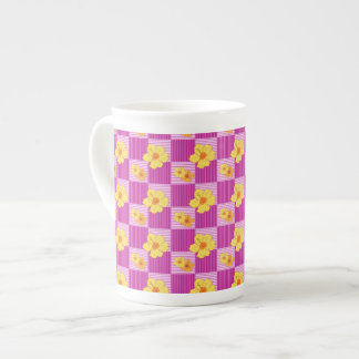 Hibiscus on a checkerd background tea cup