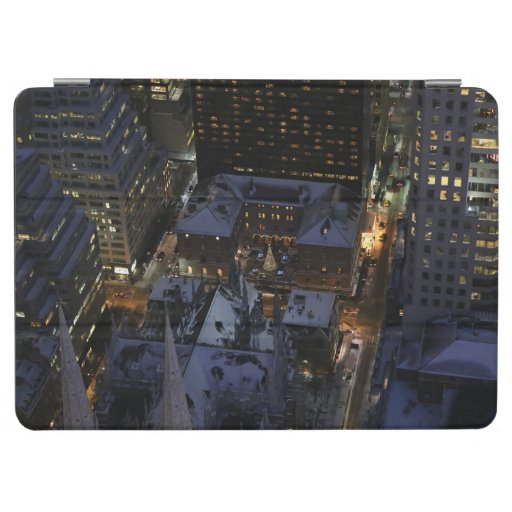 Hidden Christmas Tree in Manhattan at Night iPad Air Cover