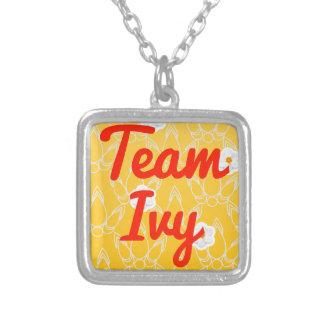 Hiedra del equipo joyerias personalizadas