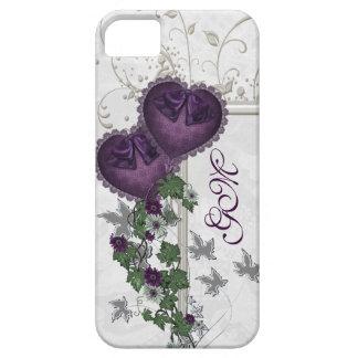 Hiedra elegante y corazones púrpuras iPhone 5 funda