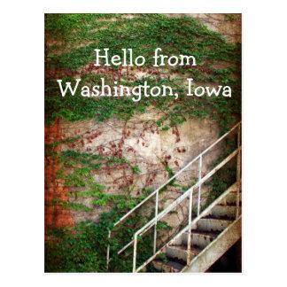 Hiedra, ladrillo, y escaleras postales