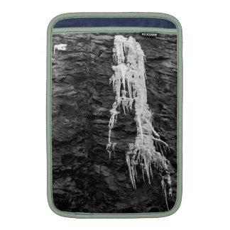 Hielo en la manga de aire de MacBook de las rocas Funda MacBook