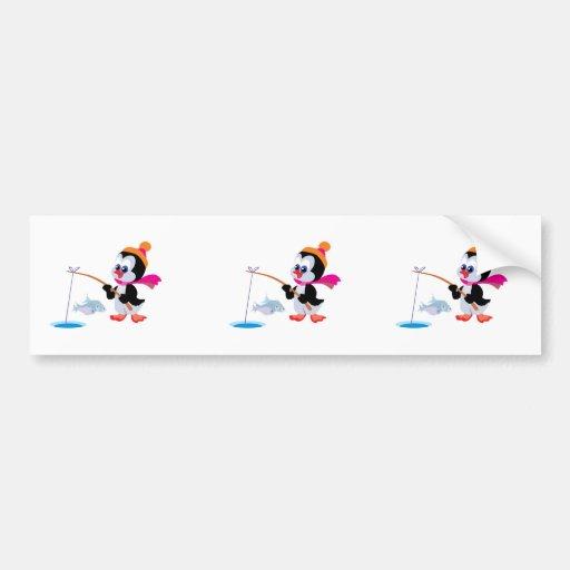 hielo lindo que pesca el pequeño pingüino etiqueta de parachoque