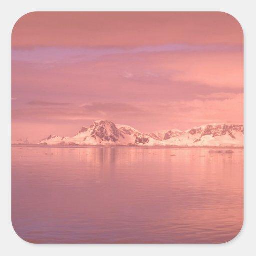 Hielo, nieve, icebergs en los canales a lo largo calcomanías cuadradass