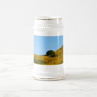 Hierba de la mostaza jarra de cerveza