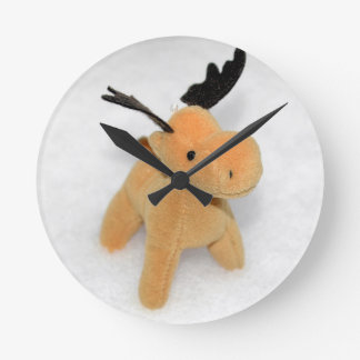 High Key Christmas Moose Deer Snow Round Clock