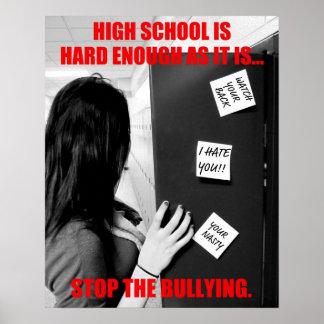 High School secundaria que tiraniza (limpia) Póster