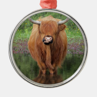 Highland cow round metal christmas ornament
