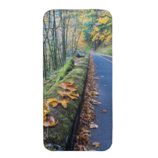 Highway 30 Winds Through The Columbia River iPhone SE/5/5s/5c Pouch