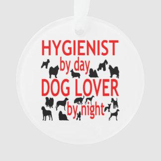 Higienista del amante del perro en rojo