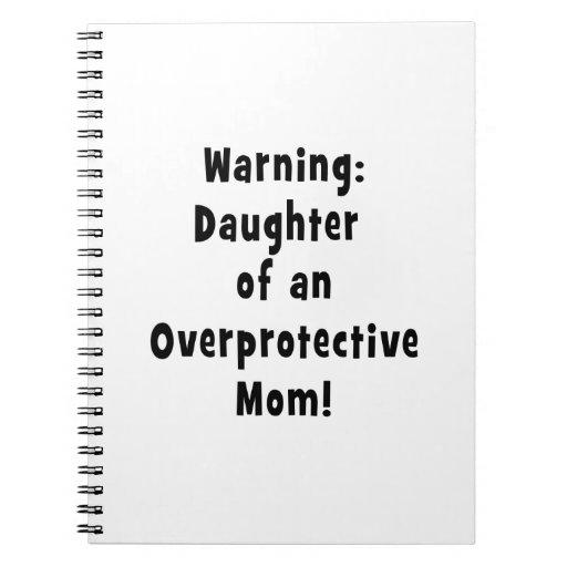 hija de la mamá sobreprotectora black.png cuadernos