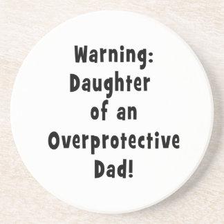 hija del negro sobreprotector del papá posavasos diseño
