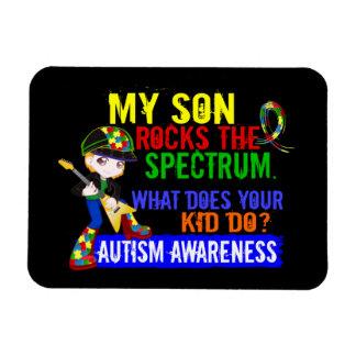Hijo del autismo del espectro de las rocas imán
