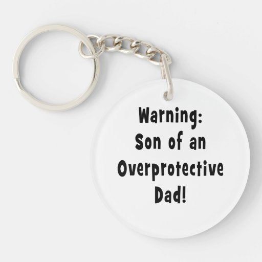 hijo del papá sobreprotector black.png llaveros