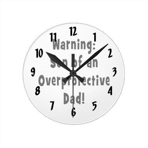 hijo del papá sobreprotector black.png relojes