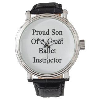 Hijo orgulloso de un gran instructor del ballet relojes