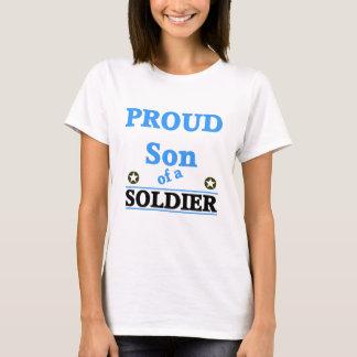 Hijo orgulloso de un soldado playera