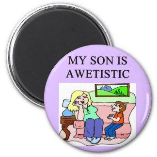 hijo y madre autísticos imán redondo 5 cm