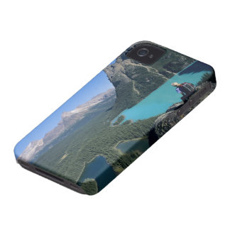 Hiker overlooking turquoise-colored Lake Case-Mate iPhone 4 Case